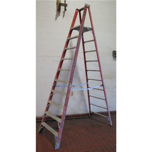 Werner Metal Step Ladder w/ 10 Stairs