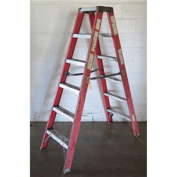 Red Metal Step Ladder w/ 6 Stairs
