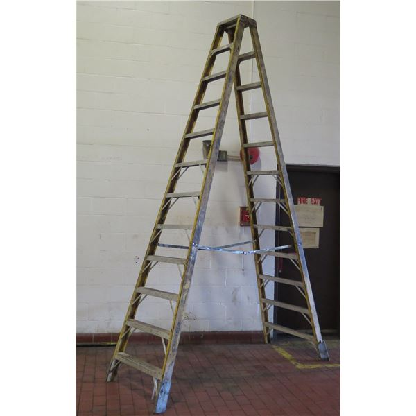 Metal Professional Step Ladder w/ 12 Stairs