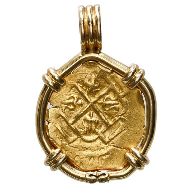 Mexico City, Mexico, cob 2 escudos, Philip V, assayer L (1702-5), ex-1715 Fleet, mounted in 18K gold