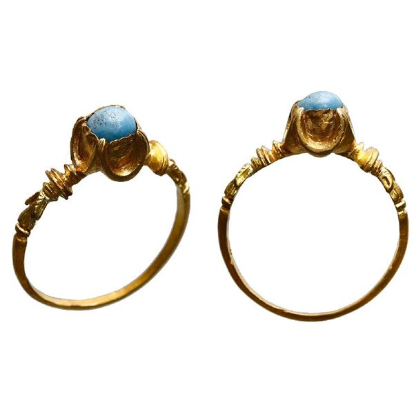 Ornate, high-karat gold ring with turquoise, early Spanish colonial ca. early 17th century.
