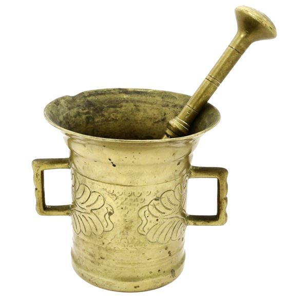 Bronze mortar and pestle from southern Germany, 1700s-early 1800s.