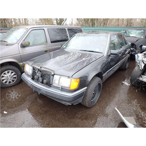 1992 Mercedes-Benz 300E