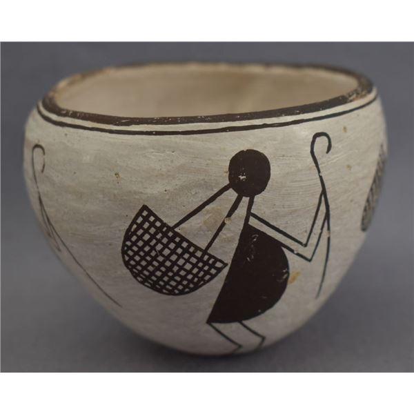 ACOMA INDIAN POTTERY JAR ( EMMA LEWIS)