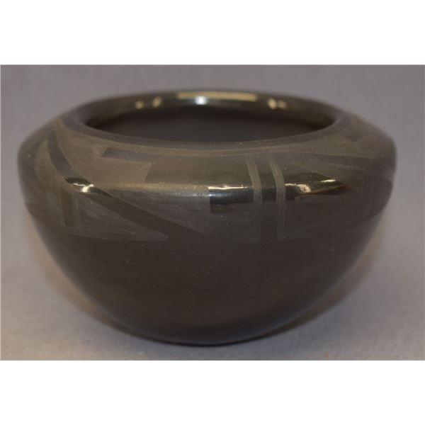 SAN ILDEFONSO INDIAN POTTERY JAR (BLUE CORN)