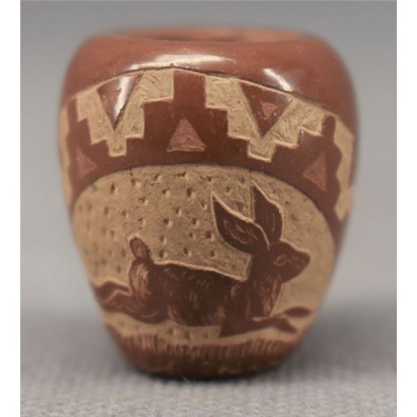 SIOUX INDIAN POTTERY VASE (NORMAN RED STAR)