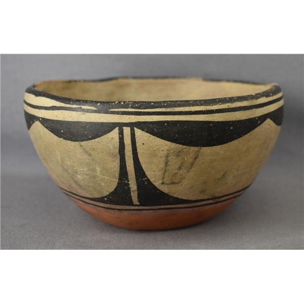 SANTO DOMINGO INDIAN POTTERY CHILI BOWL