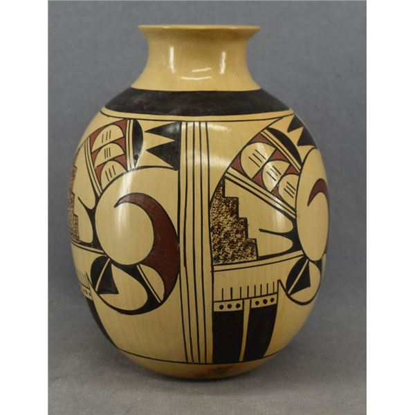 HOPI INDIAN POTTERY VASE (DORTHY AMI)