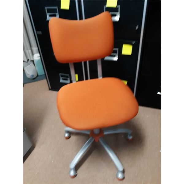 ORANGE OFFICE CHAIR, GOOD CONDITION