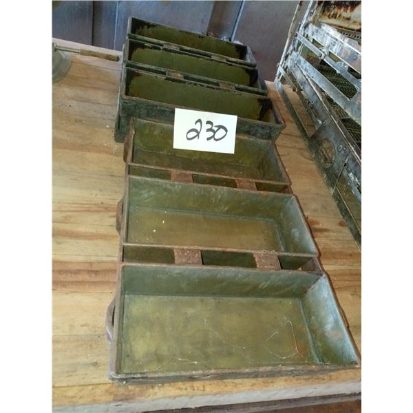 ASSORTED BREAD PAN LOT