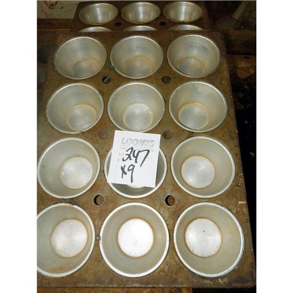 12 CAVITY ALUMINUM MUFFIN PANS (9)
