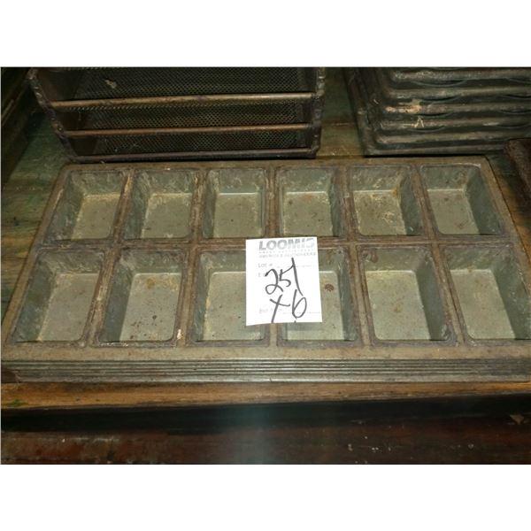 12 CAVITY MINI LOAF PANS (6)