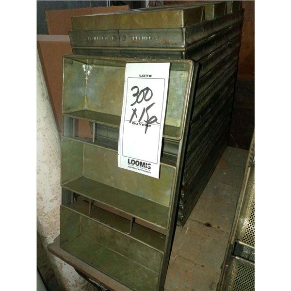 CHICAGO METALLIC SILICONE COATED 3 LOAF METAL BAKING PAN  (15)