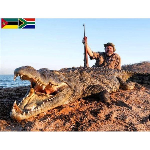 CABASSA SAFARIS: 10-Day Crocodile Hunt and Tigerfish Fishing Trip for One Hunter in Mozambique