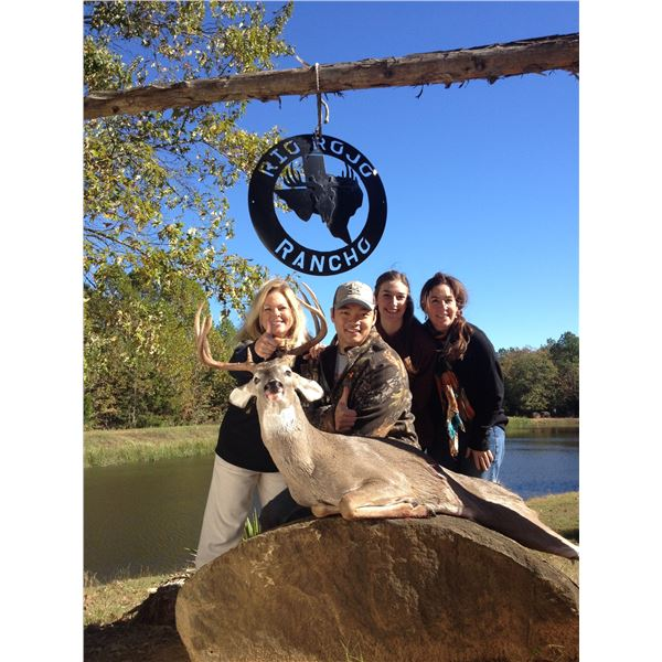 RIO ROJO RANCHO: 3-Day/2-Night Whitetail and Axis Deer Hunt for One Hunter and One Non-Hunter in Tex