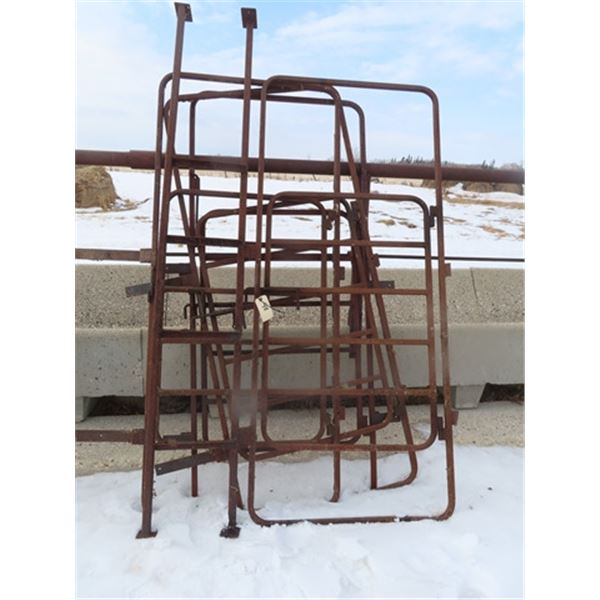 4 Metal Gates 4' w Frame