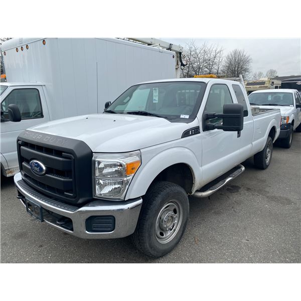 2011 FORD F-250 SUPERDUTY, 2DR EXT CAB PU, WHITE, VIN # 1FT7X2B62BED00457