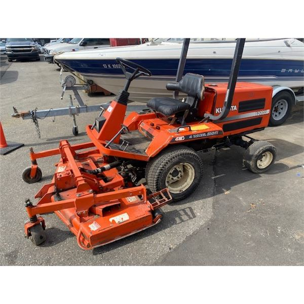 KUBOTA F2100 RIDE ON MOWER 4 WHEEL DRIVE DIESEL HOUR METER READS 1672 HOURS
