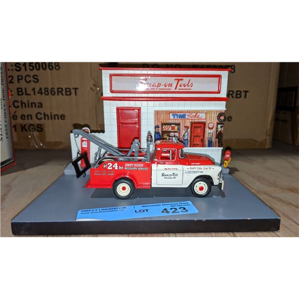 1950s Snap-on service station diorama with 1955 Chevy tow truck - without box
