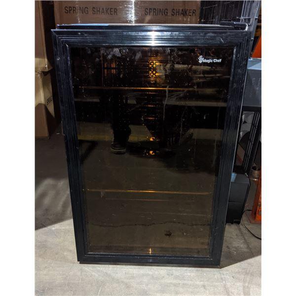 "Magic Chef bar fridge - 32"" H x 21"" W"
