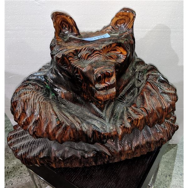 Bear wood carving by a native tribe in Bella CoolaÊ