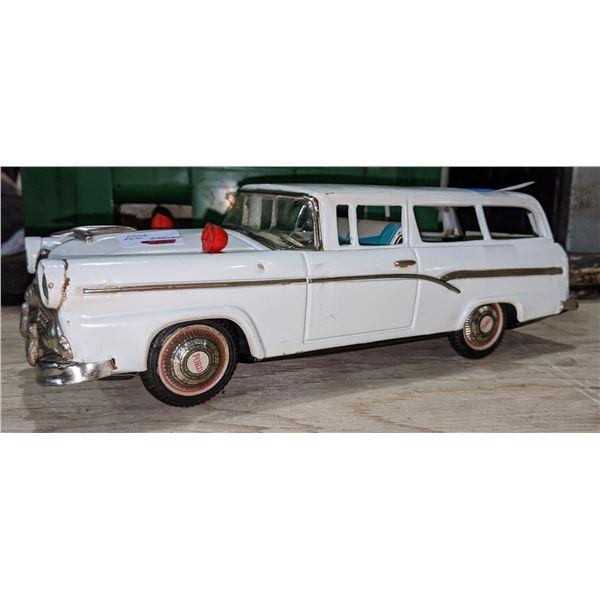 1956 Ford Wagon Model Car