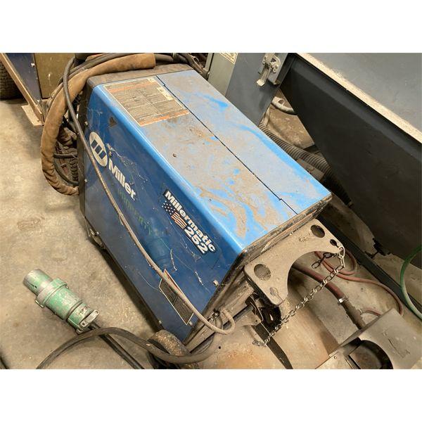 MILLER 252 Welding Equipment