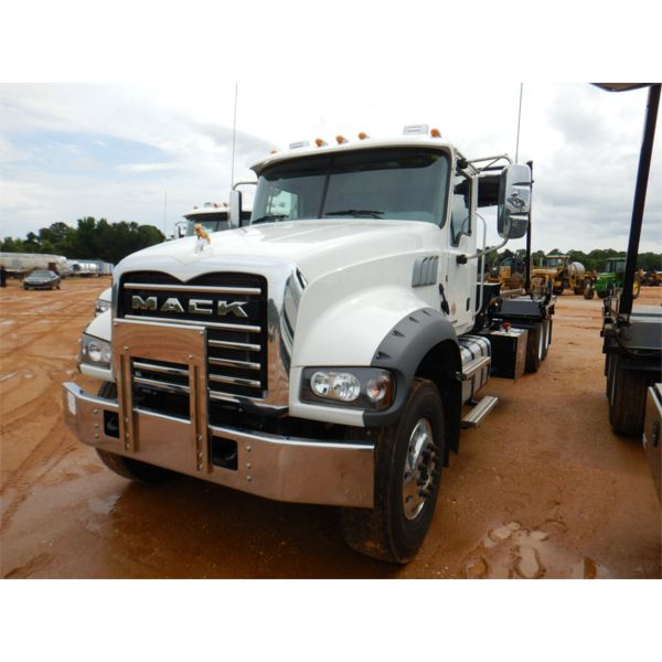 2021 MACK GR64F Roll Off Truck