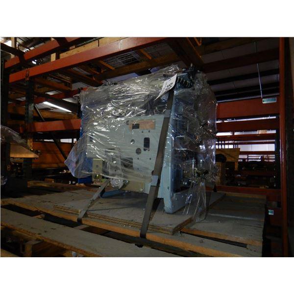 GENERAL ELECTRIC AKR-NB-30F LOW VOLTAGE CIRCUIT BREAKER