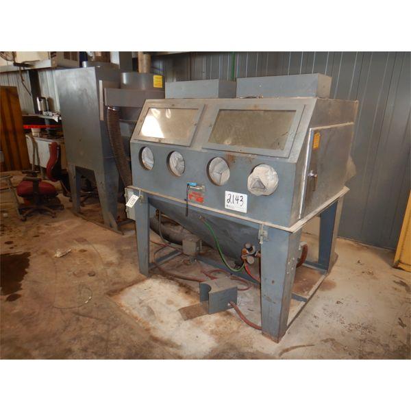 TRINCO 60X48SL/PL DRY BLASTER Shop Equipment