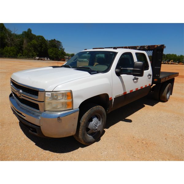 2010 CHEVROLET 3500 HD Flatbed Truck