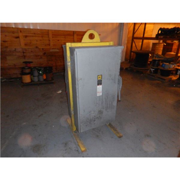 SQUARE D 400 AMP SAFETY SWITCH Miscellaneous