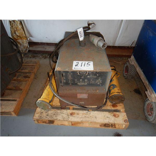 LINCOLN IDEALARC TIG-300/300 WELDER Welding Equipment