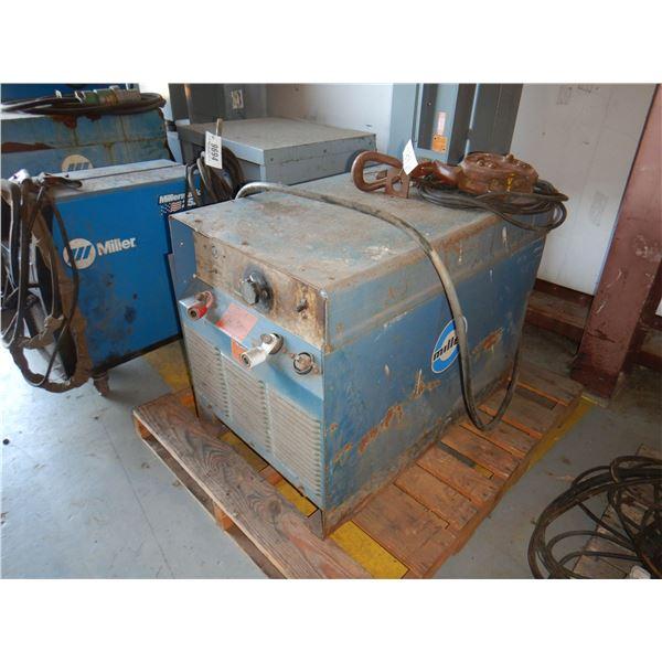 MILLER SRH-333 WELDER Welding Equipment