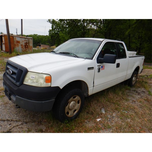 2005 FORD F150 XL Pickup Truck