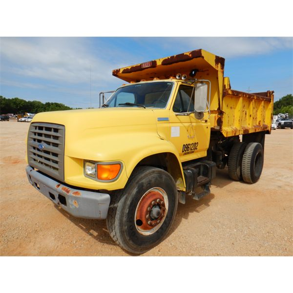 1996 FORD F800 Dump Truck
