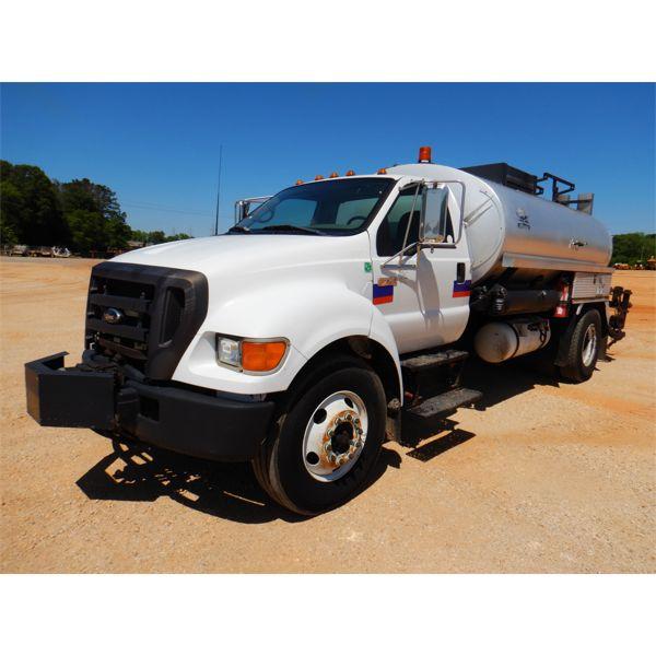 2004 FORD F750 Asphalt Distributor Truck