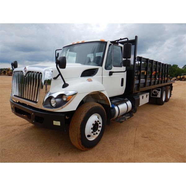 2017 INTERNATIONAL 7400 Flatbed Truck