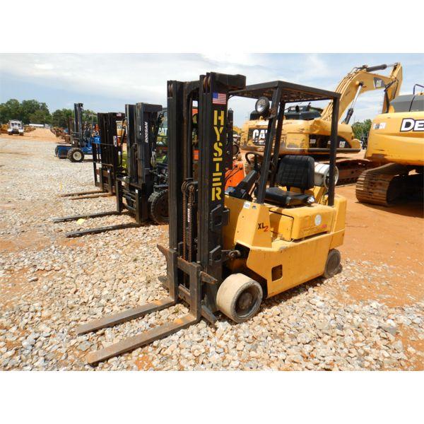 HYSTER S40XL Forklift - Mast