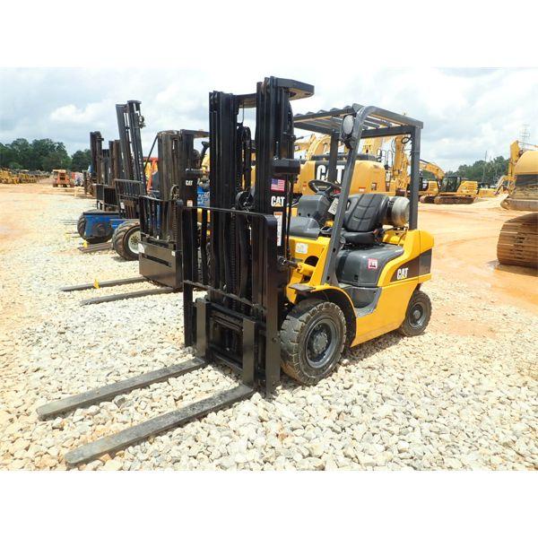 CAT P5000 Forklift - Mast