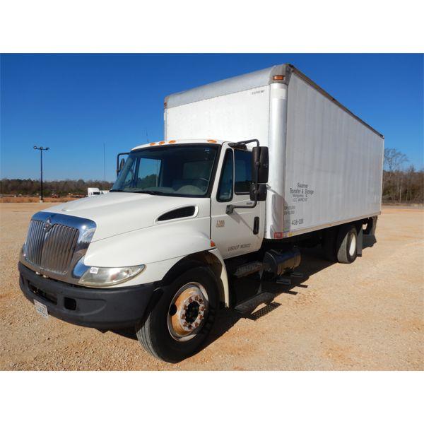2005 INTERNATIONAL 4300 Box Truck