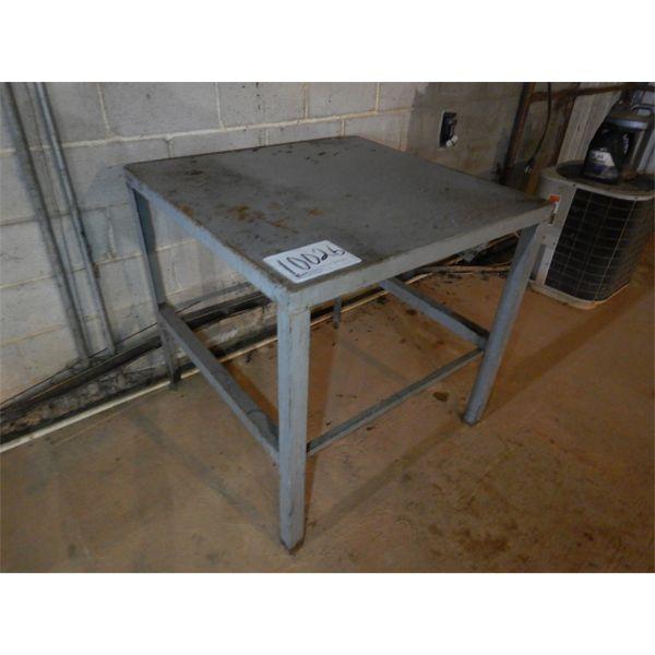 METAL TABLE, Selling Offsite: Located in Birmingham, AL
