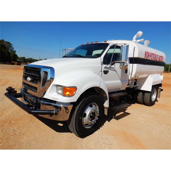 2007 FORD F750 Water Truck