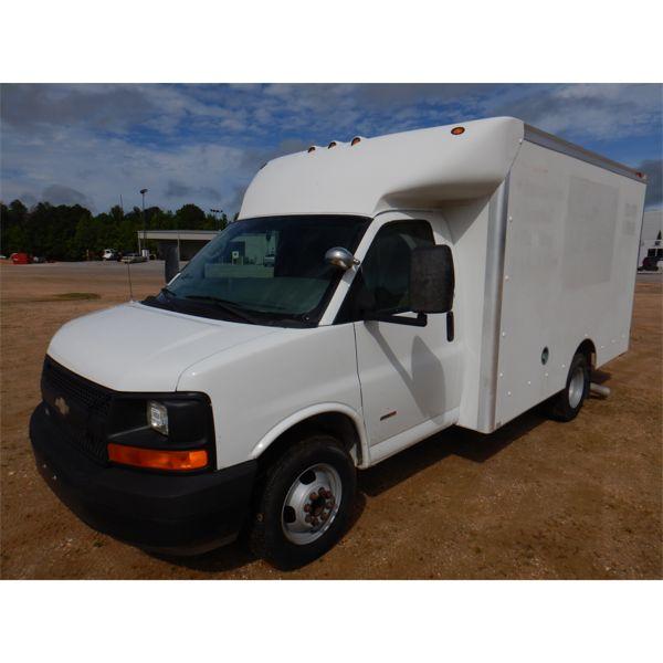 2008 CHEVROLET EXPRESS Box Truck