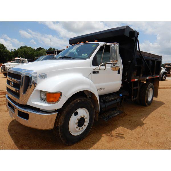 2012 FORD F750 XL Dump Truck