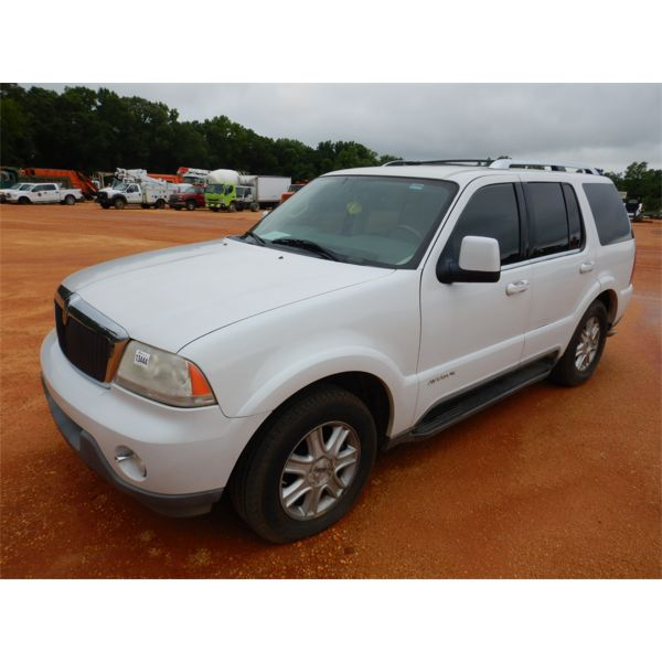 2004 LINCOLN UT SUV