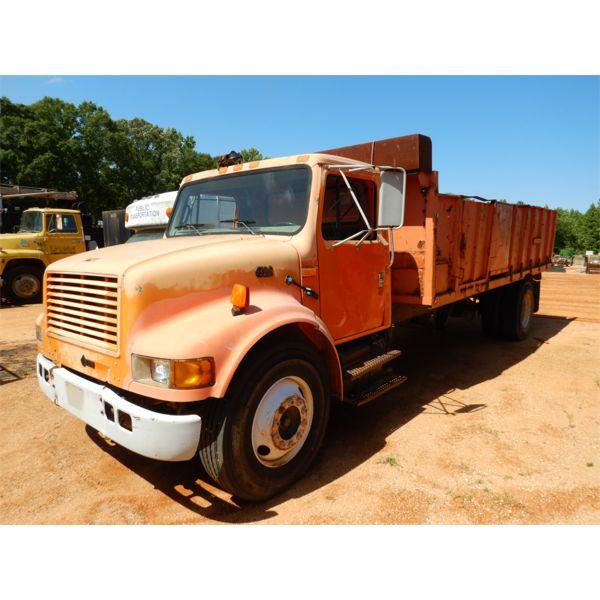1999 INTERNATIONAL 4700 Dump Truck