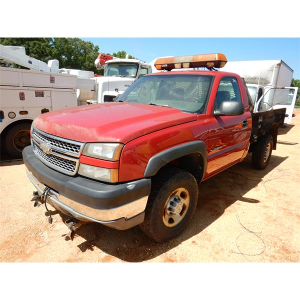 2005 CHEVROLET 2500 HD Flatbed Truck