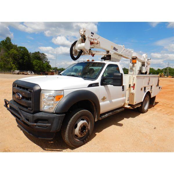 2015 FORD F550 Bucket Truck