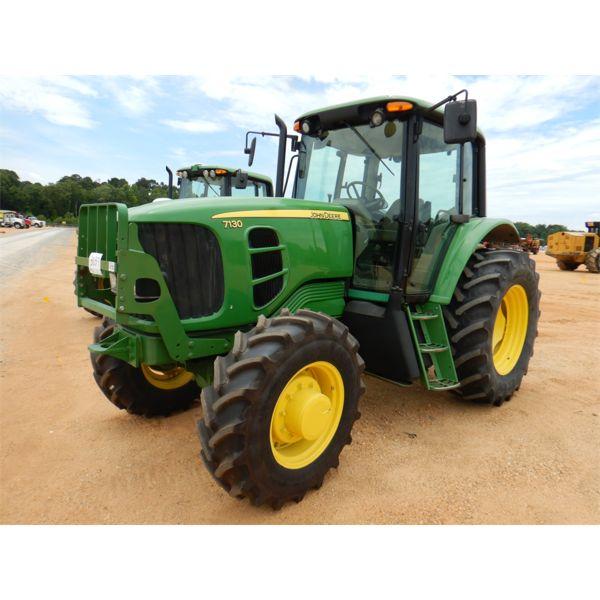 2009 JOHN DEERE 7130 Farm Tractor